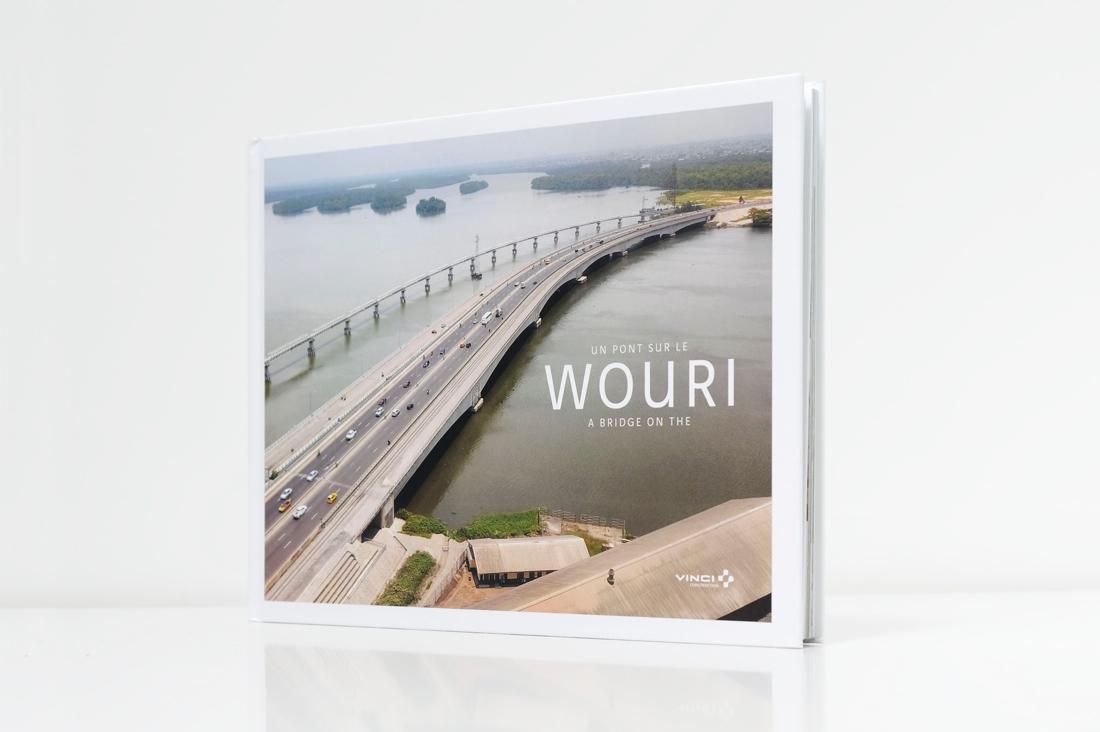 Couverture du livre chantier un pont sur le Wouri